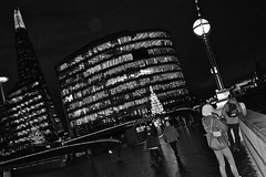 """Southwark"" (giannipaoloziliani) Tags: monocromatico biancoenero blackandwhite monochrome londres soutwark lights london unitedkingdom londonunitedkingdom notte night street urban shard view architecture noire nuite black nero urbanstreet londra metropoli urbannight skyscraper people walking lamps streetnight streetlife urbanlife downtown faces nikon nikond3200 nikoncamera metropolis perspective prospettiva buildings luci windows renzopiano england citylife citynight citynightlife landscape theshard thames river trasparence centre darkness buio dark obscure scuro oscuro flickr citt christmastrees alberidinatale christmaslights architettura walkingatnight captures glassview vetro glass vetrate tourists"