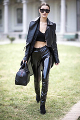 Bella Hadid in vinyl pants (Vinyl Beauties) Tags: bella hadid pvc vinyl plastic pants trousers clothing fashion top models celebrities girls women pvcpants pvctrousers vinylpants vinyltrousers plasticpants plastictrousers pantalonesdevinilo pantalonesdeplástico calçadevinil calçadeplástico moda mode vinil plástico vinilo vinyle plastique plastik vinile plastica pvcclothing vinylclothing plasticclothing roupadevinil roupadeplástico ropadevinilo ropadeplástico vêtementenvinyle vêtementenplastique abbigliamentoinvinile abbigliamentoinplastica plastikkleidung pvckleidung roupa ropa abbigliamento vêtement kleidung jeans pantalones pantalon pantaloni hose lackhose plastikhose pantaloniinvinile pantalonenvinyle pantaloniinplastica pantalonenplastique