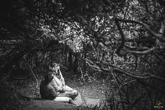 OF-precasamento-BarbaraRenan-1564 (Objetivo Fotografia) Tags: précasamento prewedding wedding casamento bárbaramacedo renan amor love bride flower flor amizade cumplicidade friends boyfriend girlfriend namorado namorada noivo noiva noivos areia mar praia pedras sorrisos verde planta folhas galhos água vestido camisa paisagem piquenique cachorro família grama