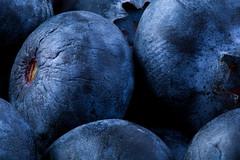 Blueberry macro (benevolentkira7) Tags: blueberry blueberries fruit round blue edible macro close center core stack focus