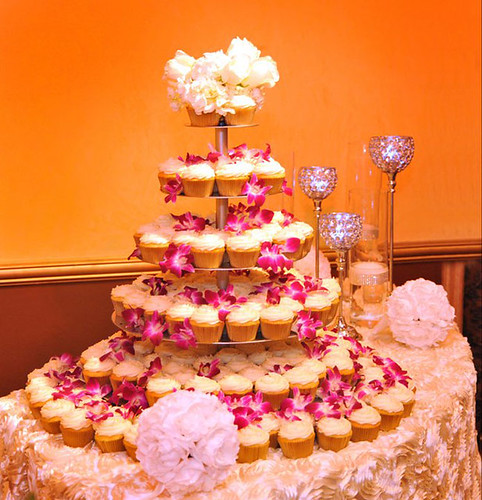 gold-&-ivory-wedding