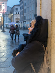 Serenità (drugodragodiego) Tags: rossella portrait ritratto brescia lombardia italy piazzadellaloggia autumn riflessi reflections street rain pioggia pentax pentaxk1 k1 hdpentaxdfa2470mm hdpentaxdfa2470mmf28edsdmwr pentaxiani