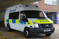 BX61 EFV (S11 AUN) Tags: london metropolitan police ford transit psu policesupportunit personnel carrier station response van irv incidentresponseunit rpu roads policing unit traffic car safer transport command supportvehicle 999 emergency vehicle tfl transportforlondon metpolice bx61efv
