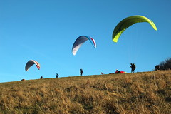 Waiting for the wind (scott_steelegreen) Tags: paragliders para gliding brighton devils dyke blue sky 3 people