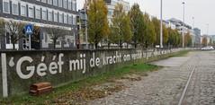 Antwerp (Elisa1880) Tags: antwerpen antwerp city stad belgie belgium schelde muurgedicht peter holvoethanssen welkom pierewaaiers poem wall rivier river