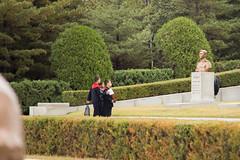 Children visiting honors memorium (bvoneche) Tags: kp pyongyang coredunord