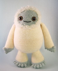 Yeti and Bigfoot amigurumi pattern (Lucyravenscar (Angry Angel)) Tags: monster snowman pattern crochet amigurumi bigfoot yeti abominable sasquatch