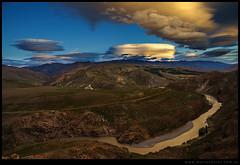 Valle del río Neuquén y Cordillera del Viento