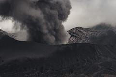 _AST2564 (Astiapix) Tags: ed nikon af eruption bromo 80200mm f28d zoomnikkor d7000