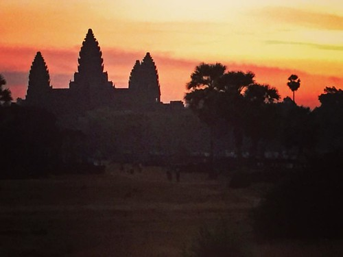 I haven't snuck downstairs before dawn on Christmas since I was a kid. Well, this morning I did... and look what I found. #bestxmasgiftever #angkorwat #siemreap #cambodia #sunrise