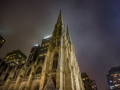 Spiritually in the city (Paco CT) Tags: church construccion construction contrapicado iglesia lowangle newyorkstpatrickscathedral nightshot nocturna technique thecathedralofstpatrick newyork ny unitedstatesofamerica usa architecture christian religion city cityscape fog pacoct 2016 outdoor skyscraper
