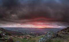 Edge of Darkness (Jerry Fryer) Tags: peakdistrict landscape moors millstone dusk sunset sheffield froggatedge curbar autumn red panorama 5dmk2 ef1635mmf4l