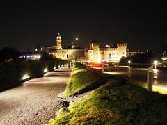 Mantova_079_1718 (Dubliner_900) Tags: olympus omdem5markii micro43 paolochiaromonte mzuikodigital17mm118 mantova mantua lombardia notturno nightshot streetphotography