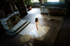 Braut in Kirche (timpelan-photography) Tags: hochzeit braut kirche gifhorn leipzig brautkleid hochzeitsreportage hochzeitsfotografie brautstraus