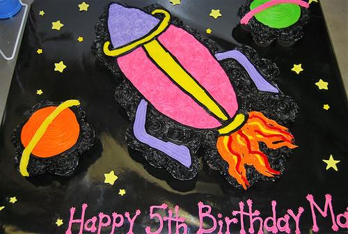 340-polkatots cupcake cakes