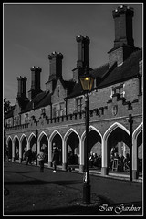 THE RESIDENTS (IAN GARDNER PHOTOGRAPHY) Tags: colourpopped monochromealmshouses bedworth warwickshire locals residents arches architecture