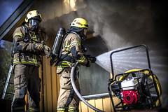 lmh-røyken008 (oslobrannogredning) Tags: bygningsbrann brann nedbrenning nedbrenningsøvelse flammer røykdykker røykdykkere røykdykking øvelse trening