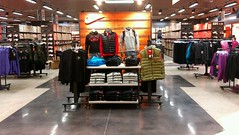 NikeStoreShanghaiMeilongB&Q-500sqm-Nov2012-RP-Retail (3)