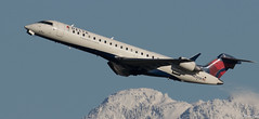 1C6A7172N630SK16.01.04 (Raycatcher) Tags: deltaairlines canadaircl6002c10crj vancouvercyvr