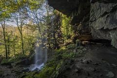 Cueva cascada de Pimpano3 (ferpar57) Tags: nikond7200 tokina1224 cascada naturaleza bosque agua cueva asturias
