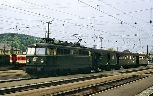 ÖBB electric loco 1042.37 Attnang-Puchheim