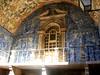Óbidos : Azulejos Óbidos city gate (Swanesca) Tags: portugal citadel entrance tiles gateway óbidos historiccity azulejos walledcity portuguesetiles fortifiedtown citygateway