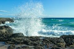 Esplosione d'acqua (Antonio Ciriello PhotoEos) Tags: blue autumn sea italy canon t landscapes rocks italia mare waves seascapes blu 1750 tamron autunno paesaggi puglia onde taranto marini scogli apulia 600d tamron1750 tramontone eos600d canoneos600d rebelt3i
