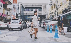 Walk on ..... #siamsquare #walk #street #Fujifilm #xt1 #35mm #rnifilms (Wineak) Tags: street fashion 35mm thailand women walk bangkok cathkidston fujiflim xt1 siamsqure rnifilms