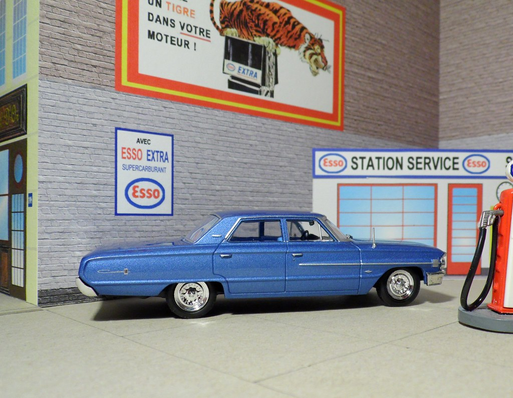 The world 39 s newest photos of 143 and garage flickr hive mind for Garage ford paris 13