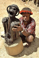 Wim Tok Mabel's mummy in Sumpaima village [Baliem Valley / Papua / Indonesia] (babakotoeu) Tags: indonesia village valley wim mummy papua mabels tok baliem sumpaima