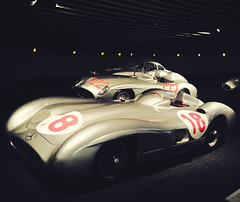 Die Silberpfeile (m i n i t e k) Tags: museum silver mercedes 1 moss stuttgart stirling formula arrows formel silberpfeile