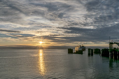 _DSC3124 (marilynwe) Tags: 2016 edmonds washington ferrylanding kingston sunrise water ferry