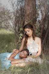 (Tc photography. Per) Tags: trees light portrait color cute bunny green nature beauty fashion sisters forest dress photoshoot alicia sweet outdoor alice conejo dream atmosphere naturallight dreams photosession aliceinwonderland tcphotography
