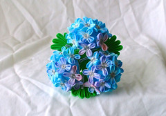 DSCF4134 (EruwaedhielElleth) Tags: flowers flower hair handmade fabric hana accessory tsumami kanzashi zaiku imlothmelui