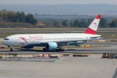 OE-LPB / Austrian Airlines / Boeing 777-2Z9(ER) (Charles Cunliffe) Tags: canon 7dmkii aviation vienna international airport loww vie austrian airlines os aua boeing 777 777200er oelpb