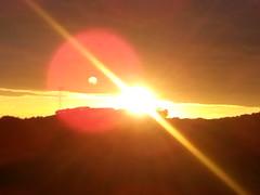 Dia_29_Rayos_de_sol (slopezser) Tags: rayodesol lneaangulosa resplandor atardecer
