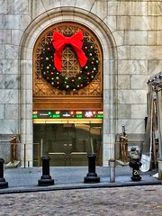 Beginning to look like Christmas at the Stock Exchange. (goldensummer1200) Tags: wallstreet fidi christmas2016 nyc newyorkstockexchange