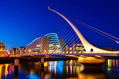 Dublin, Ireland. (qatarairways) Tags: dusk dark dublinrepublicofireland republicofireland night liffeyriverireland river bridgemanmadestructure ifsc samuelbeckettbridge ifschouse