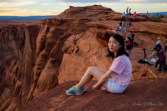 Between a rock and abyss (Dahai Z) Tags: sunset arizona cliff smile rock williams unitedstates daughter canyon edge coloradoriver abyss photogs americansouthwest horseshoebend pagearizona canon24105mmf4lisusm edgeofcliff canoneos6d summer2015