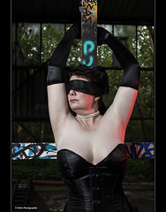 gespannte Erwartung (geka_photo) Tags: model portait heike kiel erotik gekaphoto altemllverbrennung