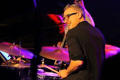 Ziv Ravitz 7467-4_8819 (Co Broerse) Tags: music composedmusic contemporarymusic jazz jazzfest jazzfestamsterdam amsterdam 2016 studiok cobroerse shaimaestrotrio zivravitz drums percussion