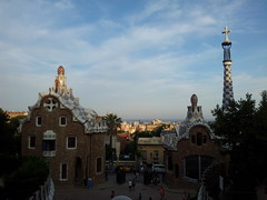 "Vistas del Parque Güell • <a style=""font-size:0.8em;"" href=""http://www.flickr.com/photos/78328875@N05/23199902321/"" target=""_blank"">View on Flickr</a>"