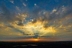 Von Hoheward nach Oberscholven (uwe1904) Tags: deutschland sonnenuntergang d wolken nrw recklinghausen ruhrpott herten hoheward haldehoheward horizontobservatorium pentaxk5 derpottleuchtet pottleuchten