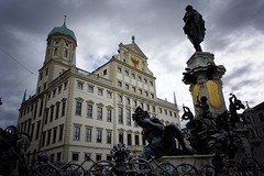Augsburg (AD2115) Tags: augsburg rathaus rathausplatz dom kirche bischof ulrich lueg mauer gasse strase haus brunnen augustus weber weberhaus fugger fuggerstadt