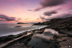 El ballena se duerme. (Caramad) Tags: luz landscape sunset sonabia olas puestadesol sea agua longexposure wave marina cantabria wate costa mar seascape rocks marcantbrico espaa rocas