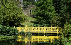 Woolbeding Garden (Mark Wordy) Tags: woolbedinggarden midhurst westsussex secretgarden orientalbridge