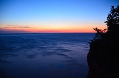 Bleu profond  -  Deep blue (Philippe Haumesser Photographies) Tags: outside ocean paysages landscape landscapes coast water mer sea nature sky coucherdesoleil sunset falaise perc gaspsie canada nikond7000 nikon d7000 reflex panorama 2016