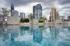 bangkok (Roberto.Trombetta) Tags: asia thailand bangkok swimming pool water reflection urban landscape skyscraper building skyline cloudy storm roof top mahanakhon pixel tower sony alpha 7rmii 7rm2 zeiss batis batis225 carl sony7rm2 tree mirror architecture ilce