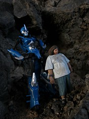 Season Seven (Geek Creek) Tags: arcee transformers hasbro robots hurley lost mcfarlanetoys toys toyphotography actionfigures
