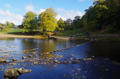 Bolton Abbey (Rynglieder) Tags: yorkshire boltoninwharfedale england dales river riverwharfe steppingstones